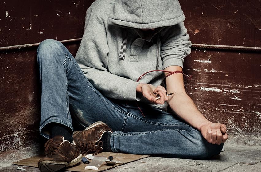 Luxury Rehab Centers illicit-drugp-addiction